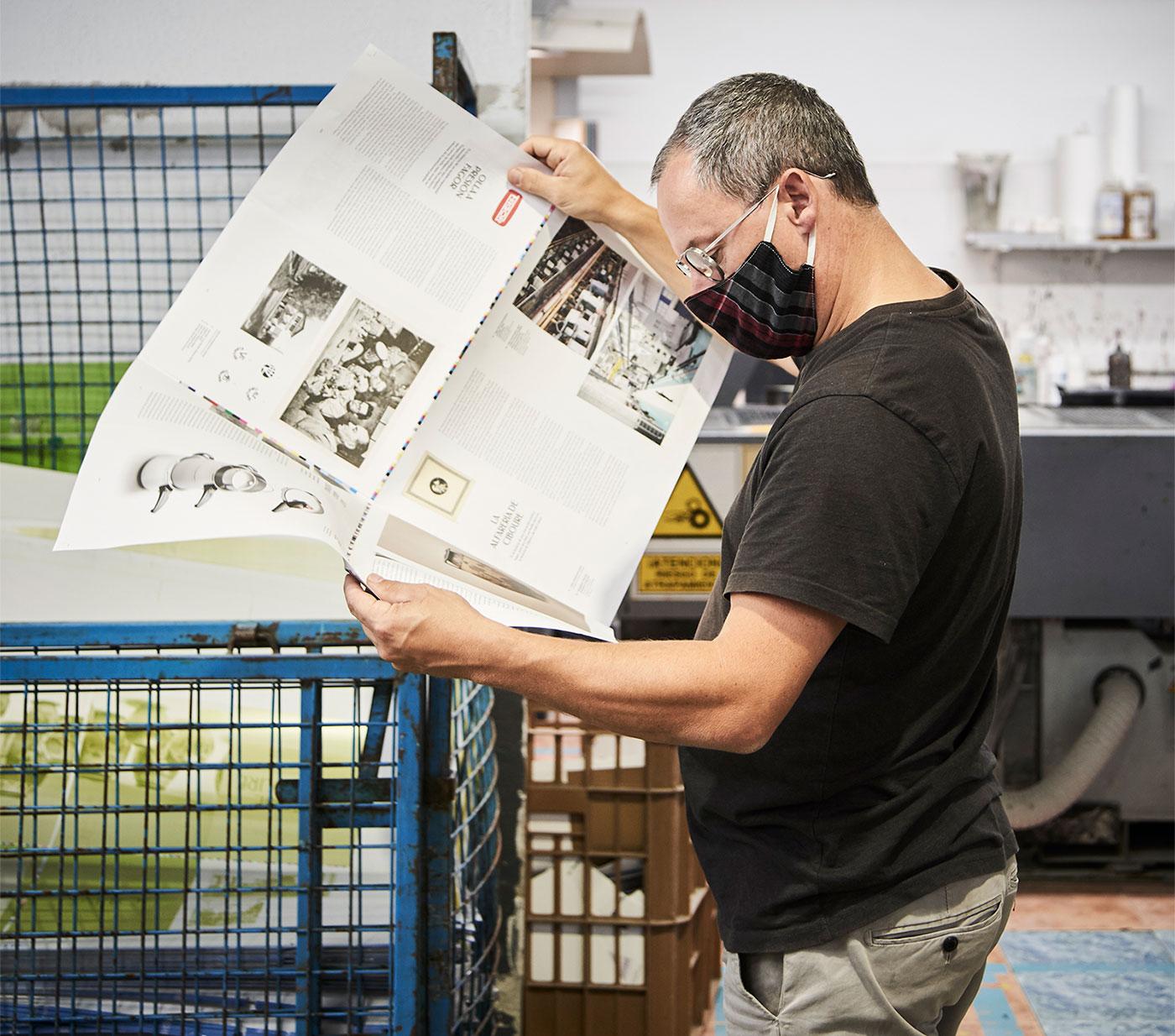 Jean Louis Iratzoki verifying the printing of Hemendik book